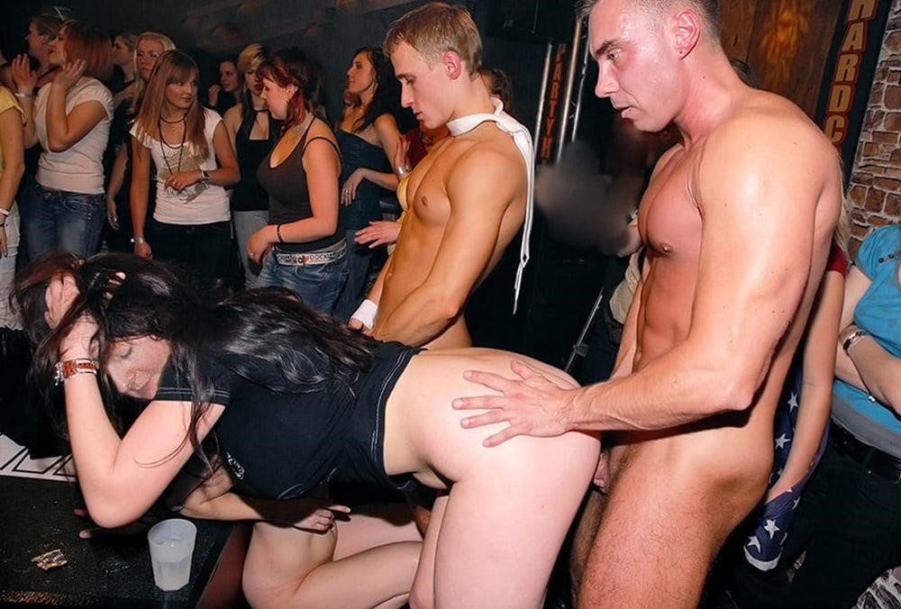 Nude party orgy-9458