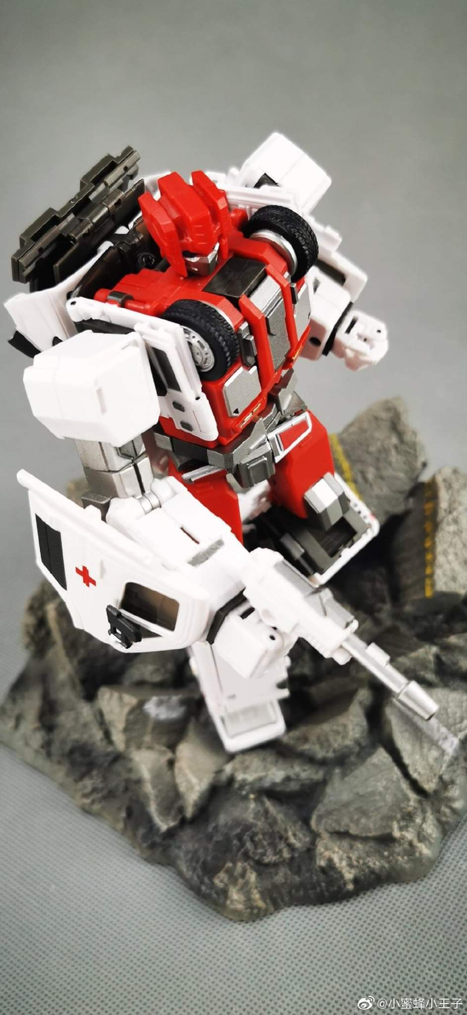 [Generation Toy] Produit Tiers - Jouet GT-08 Guardian - aka Defensor/Defenso - Page 2 Cbj2PeYT_o