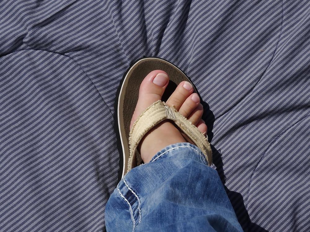 Sniffing feet fetish-3627