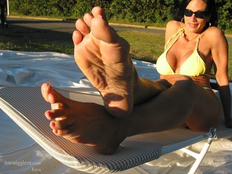 Mom foot fetish-9914