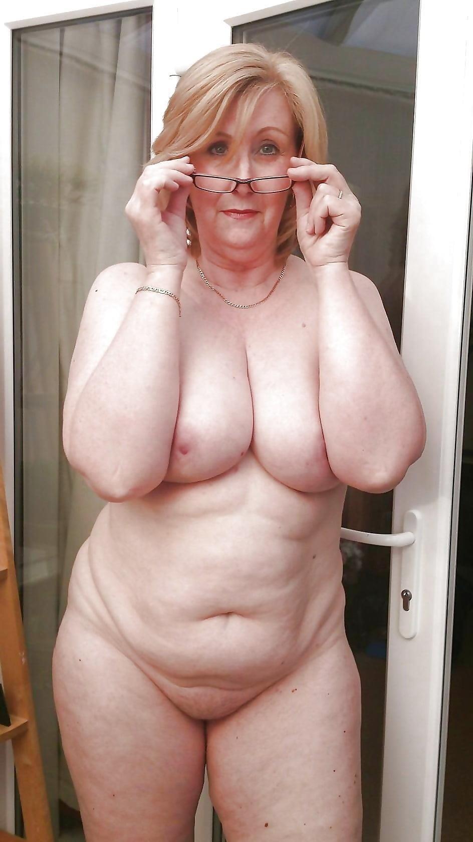 Beautiful naked mature women pics-4600