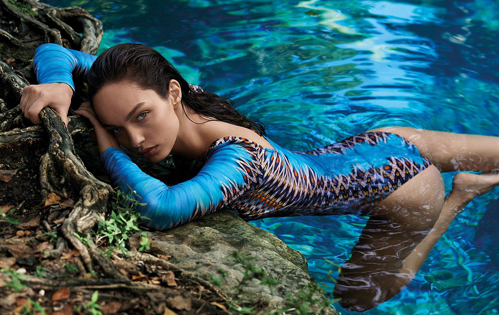 Лума Гроте в купальниках и пляжной одежде модного бренда Cia Maritima / фото 01