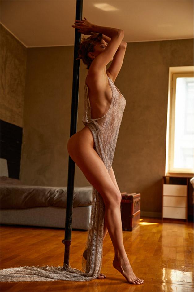 сексуальная Ольга де Мар ждет наступления темноты / фото 03