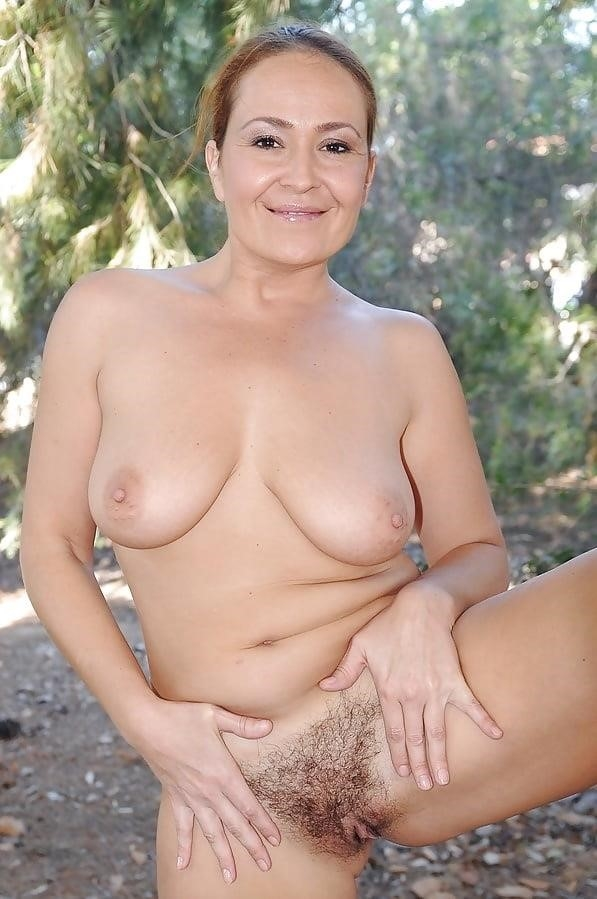 Mature beauty nude pics-8464