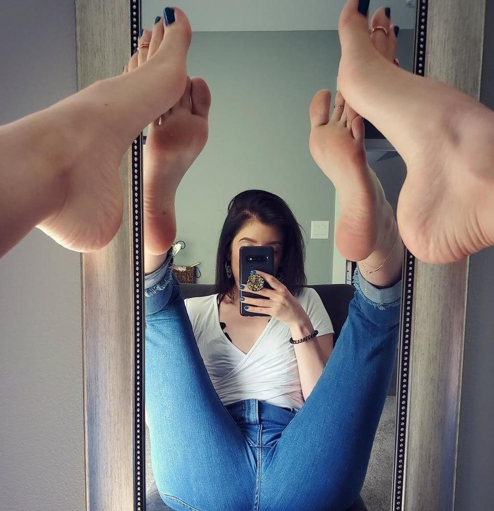 Brianna foot fetish-9446