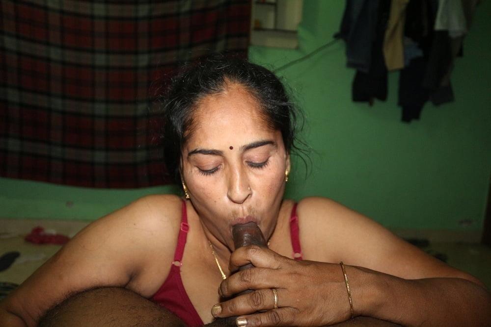 Reshma aunty nude-9497