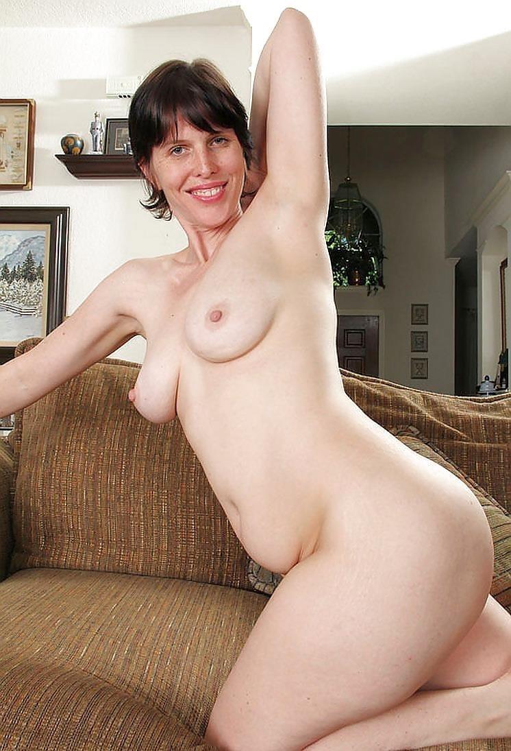 Short hair mature nude-6108