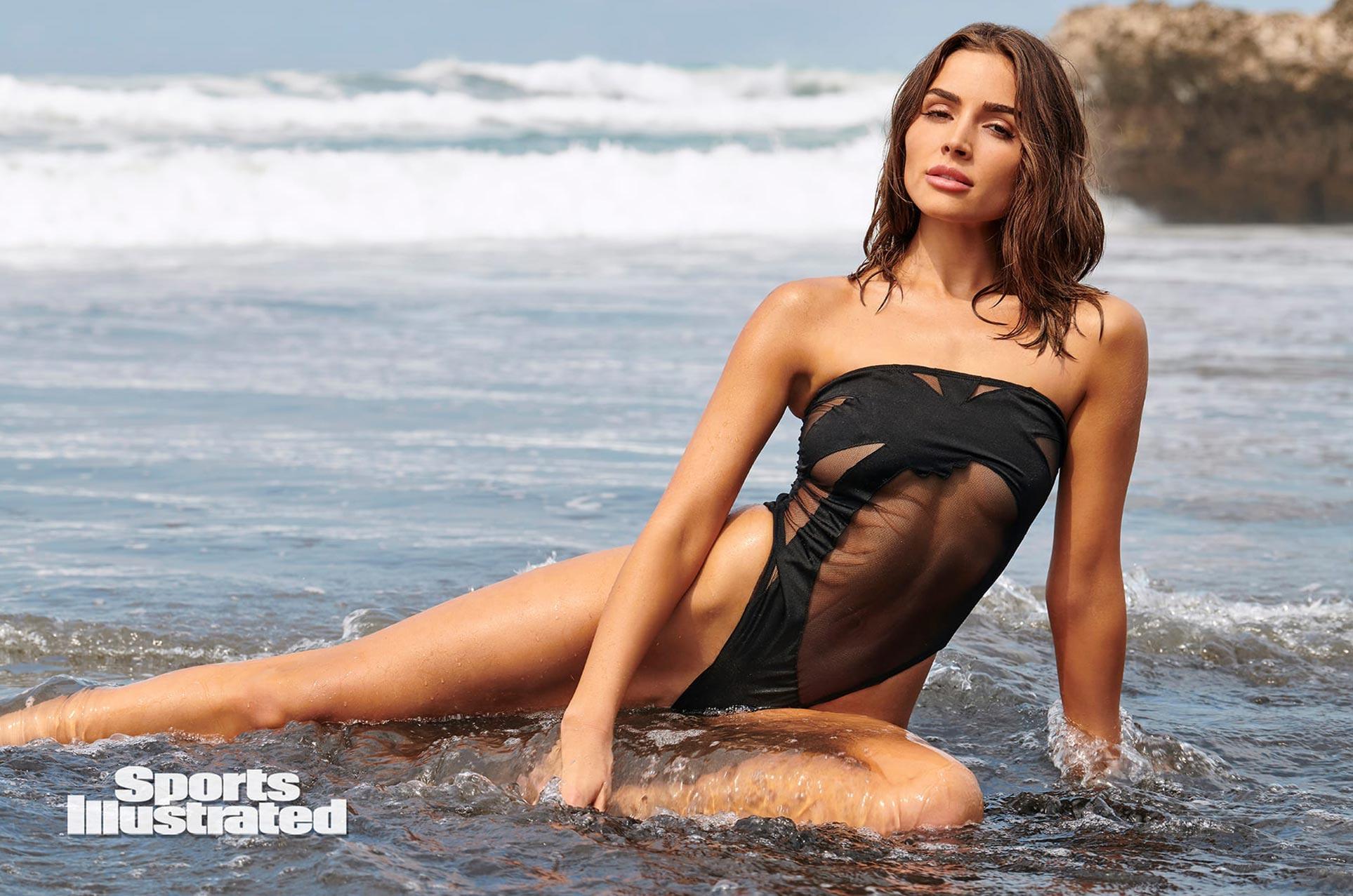 Оливия Калпо в каталоге купальников Sports Illustrated Swimsuit 2020 / фото 04