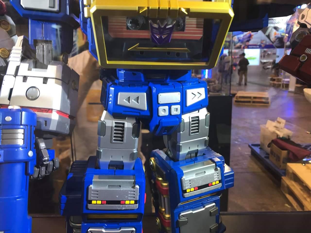 Figurines Transformers G1 (articulé, non transformable) ― Par 3A, Action Toys, Fewture, Toys Alliance, Sentinel, Kotobukiya, Kids Logic, Herocross, EX Gokin, etc - Page 6 CPSRQTil_o