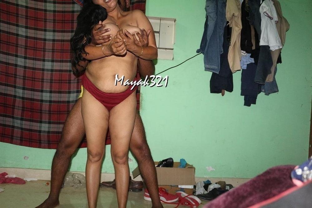 Reshma aunty nude-7048