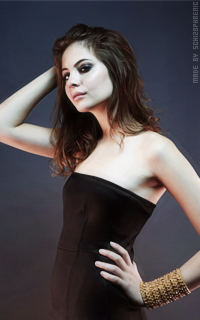Willa Holland EQGJGA5f_o