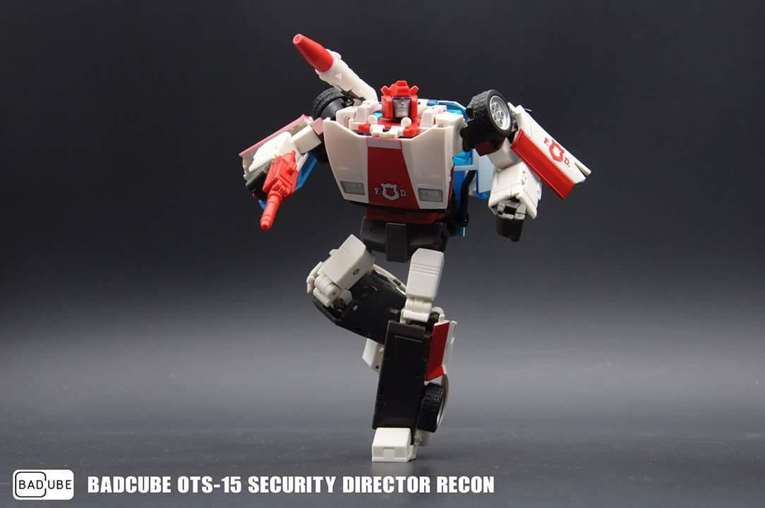[BadCube] Produit Tiers - Jouets OTS-14  Steamroll (aka Sideswipe/Frérot) et OTS-15 Recon (aka Red Alert/Feu d'Alerte) 53J9Ex7r_o