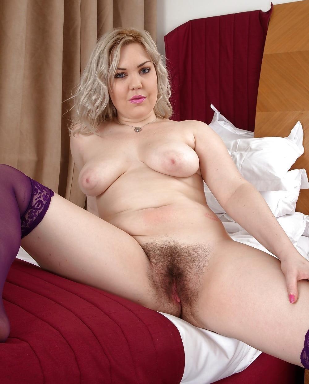 Milf big tits stocking-7032