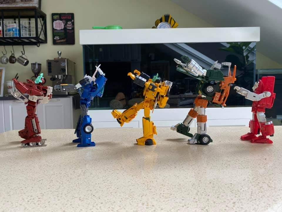 [Fanstoys] Produit Tiers - Minibots MP - Gamme FT - Page 5 TugCd1Ai_o