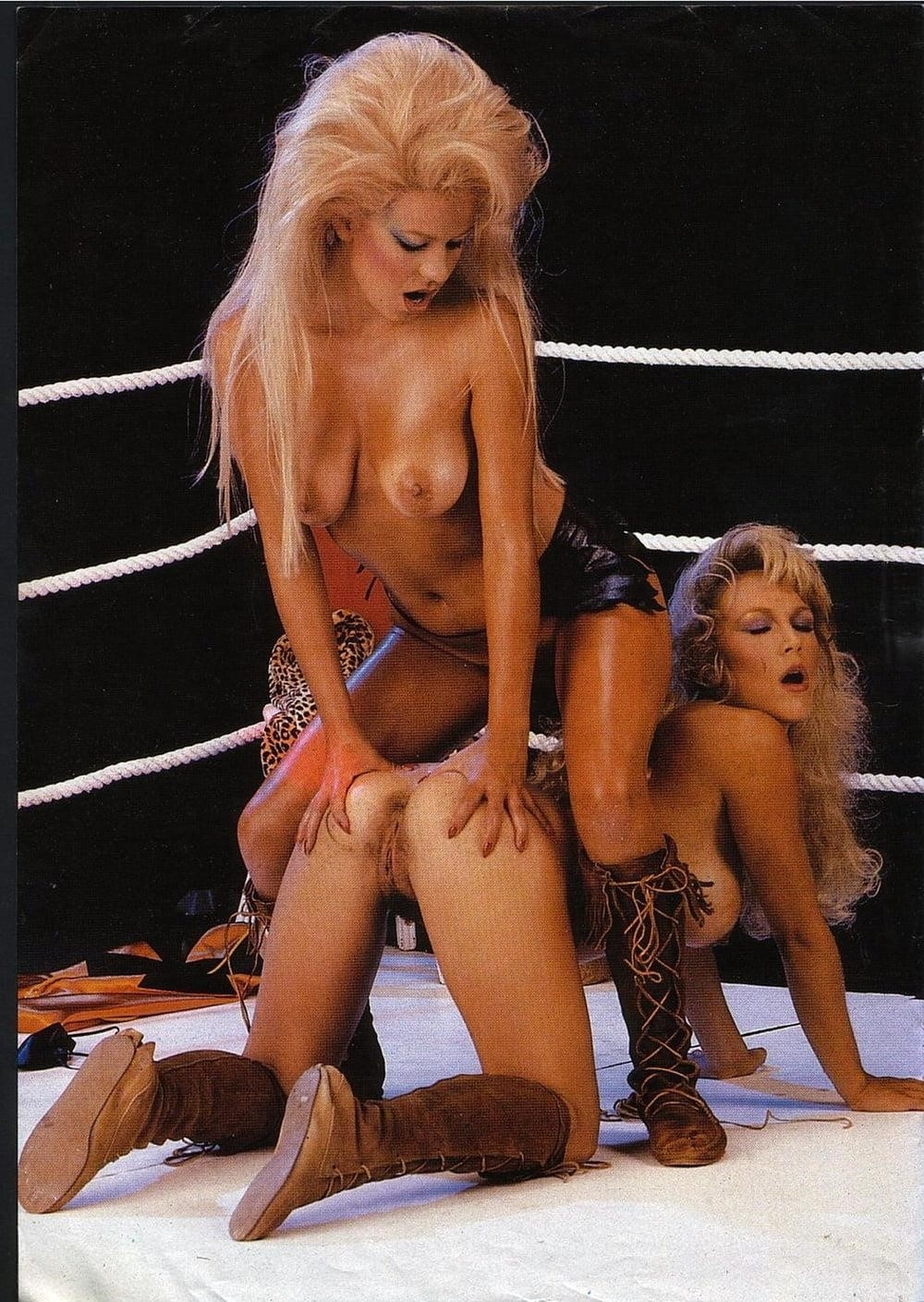 Lesbian orgy porn pictures-6834