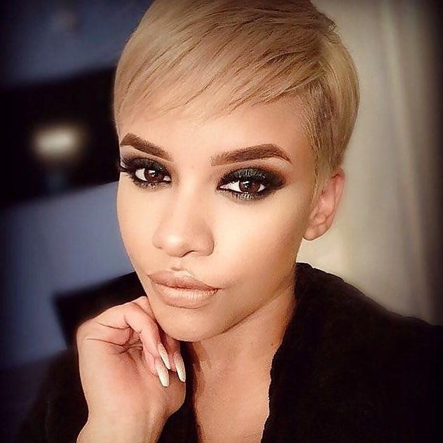 Different short hairstyles for black ladies-9798