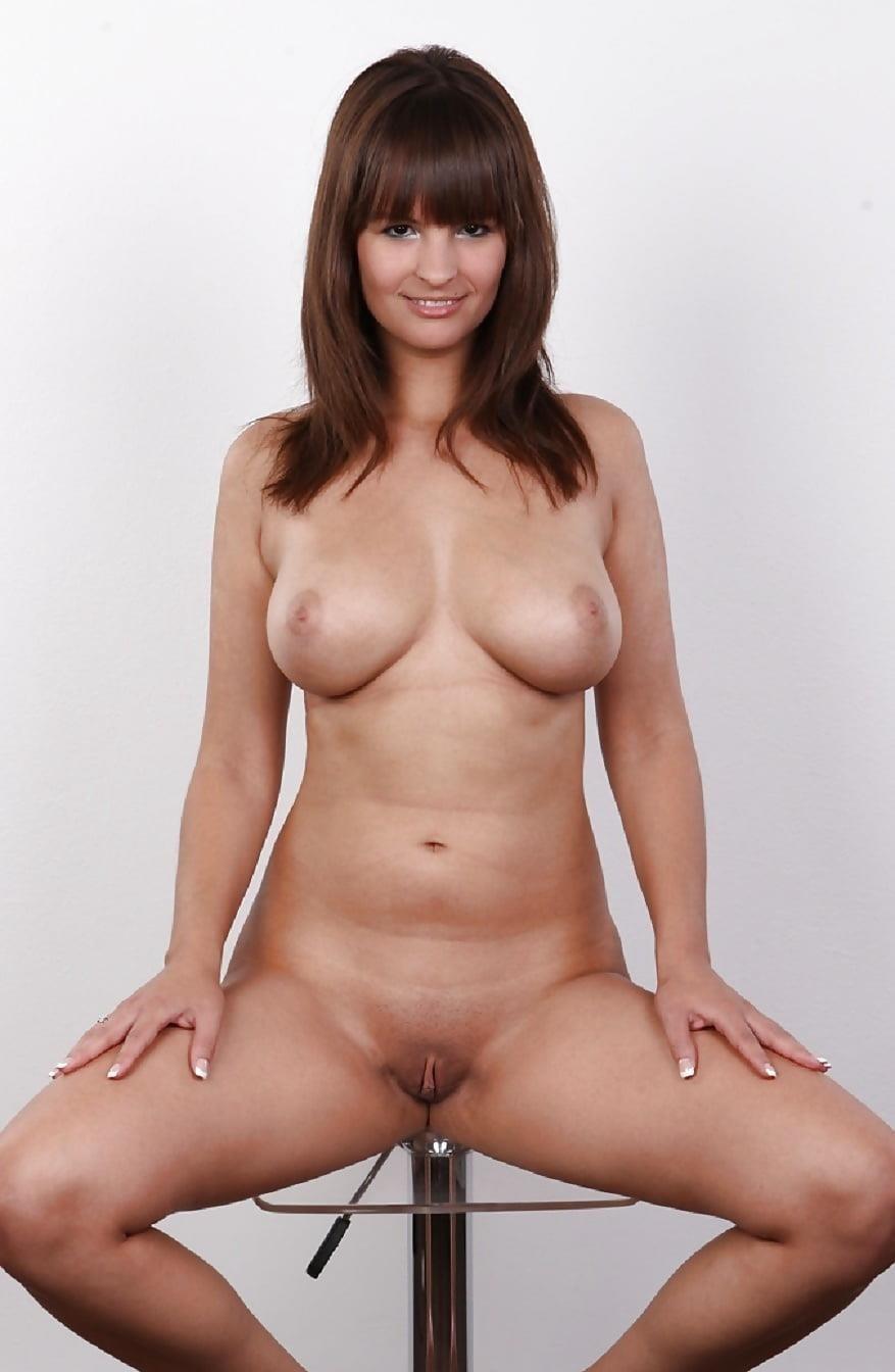 Beautiful voluptuous naked women-8239