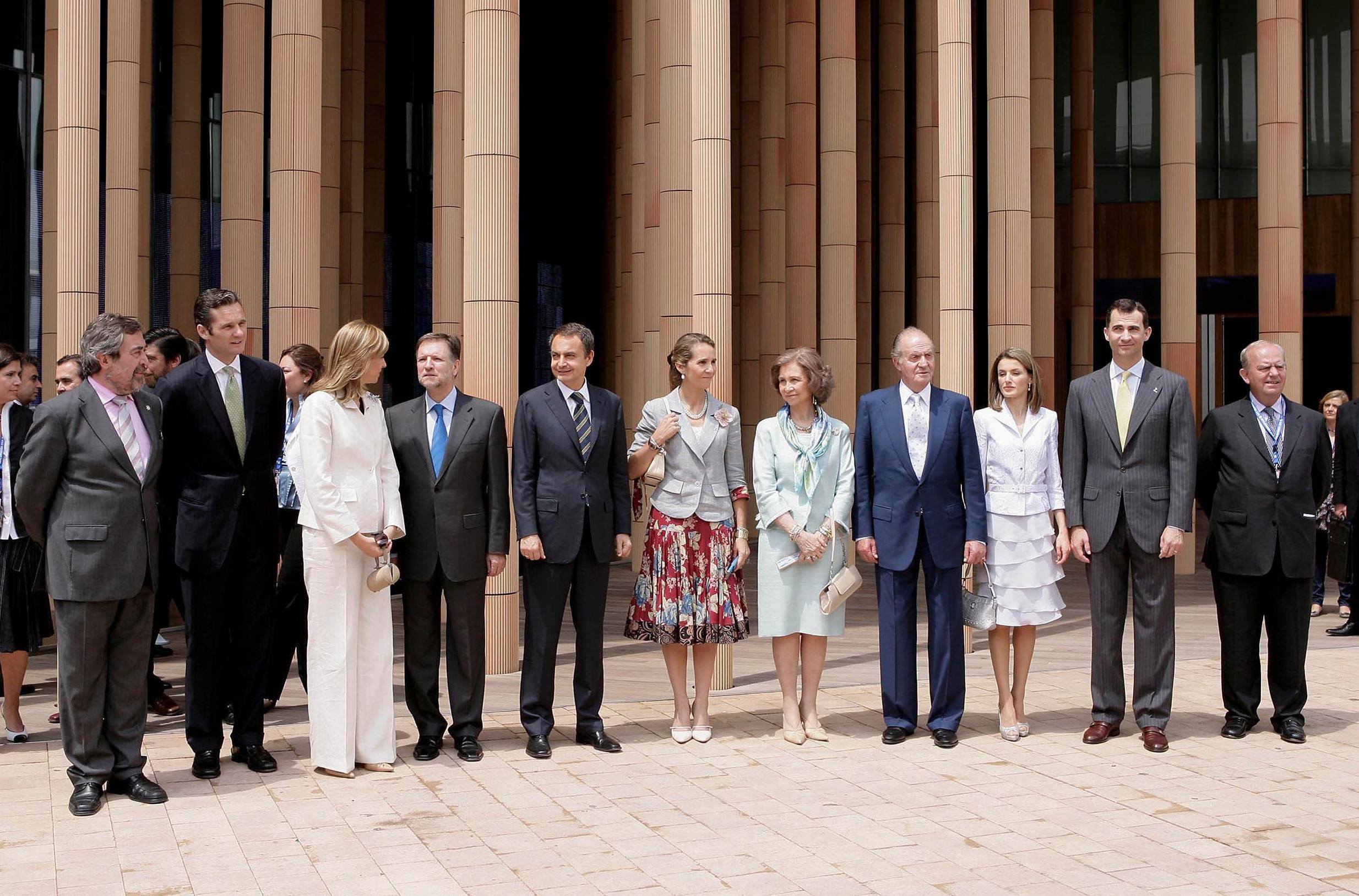 ¿Cuánto mide la Infanta Elena de Borbón? - Altura 6m8PXGZM_o