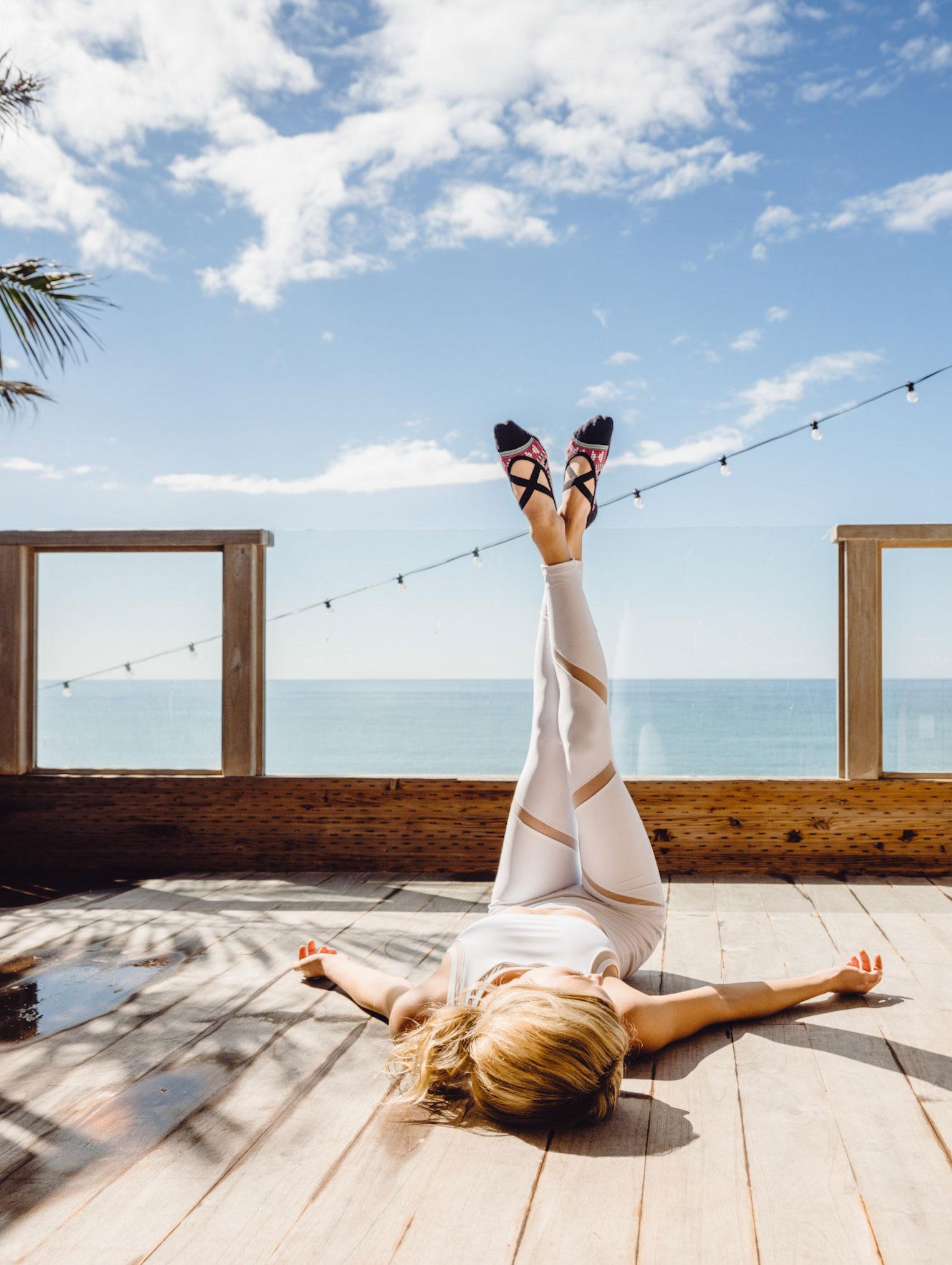 носки для спорта и отдыха из модной коллекции Tavi Noir spring-summer 2019 / Natazha McDuffie by Paul Schefz