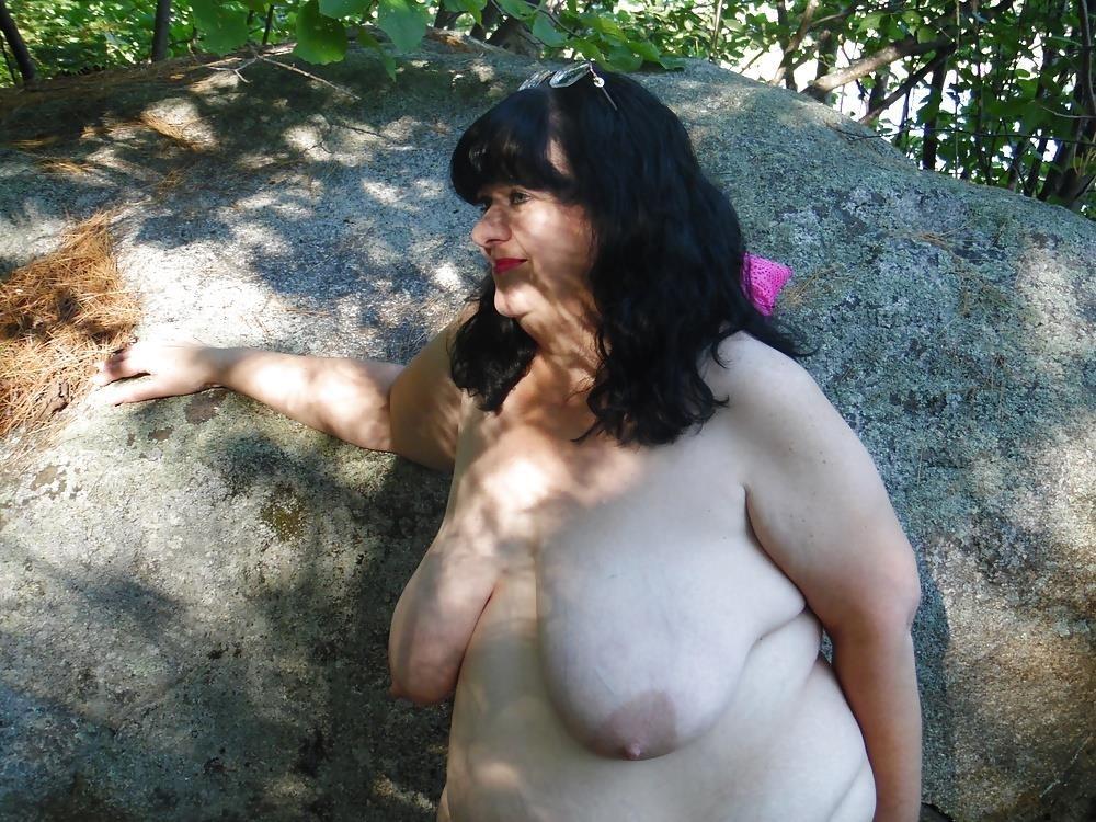 Hot mom big tits pic-5217