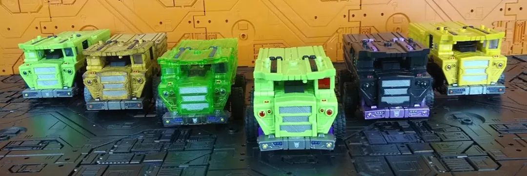 [Toyworld] Produit Tiers - Jouet TW-C Constructor aka Devastator/Dévastateur (Version vert G1 et jaune G2) - Page 11 ZYknmZki_o