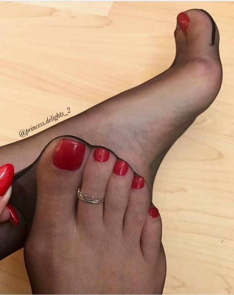 Nylon feet porn hd-6828