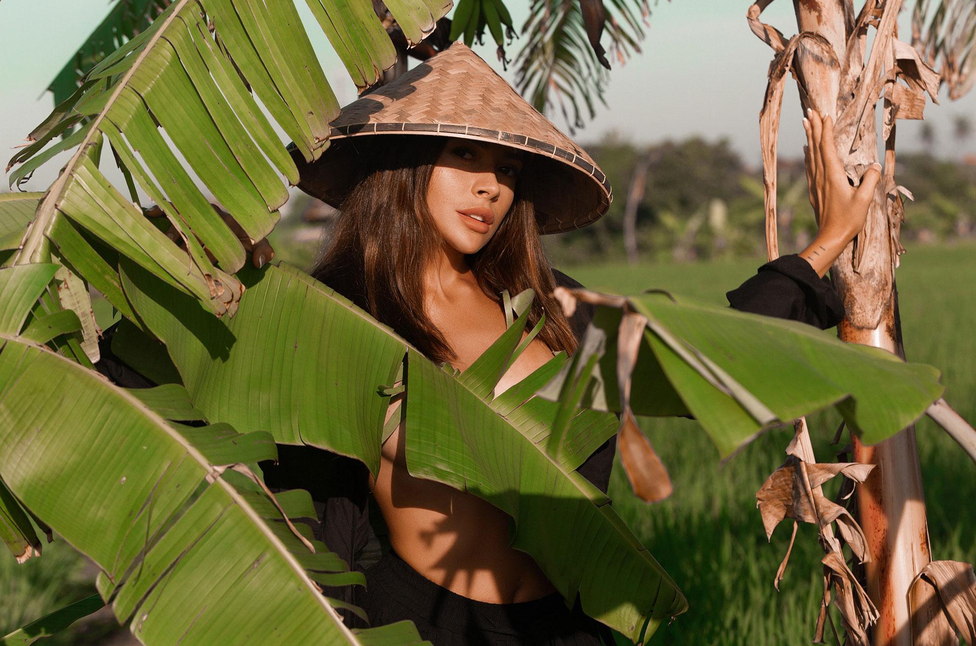 Ксения Мио во вьетнамском поле, фотограф Светлана Никонова / фото 04