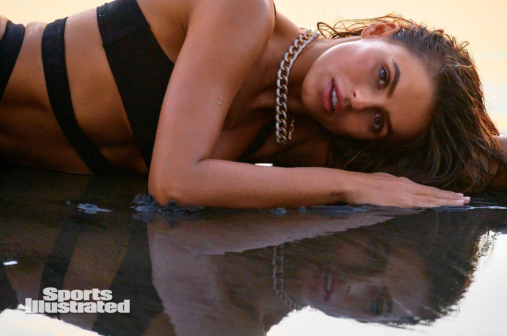 Брукс Надер в каталоге купальников Sports Illustrated Swimsuit 2020 / фото 27