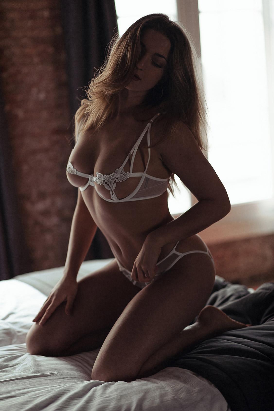 Pure Beauty / Nicola Wills by Massimo Leonardi - Yume Magazine