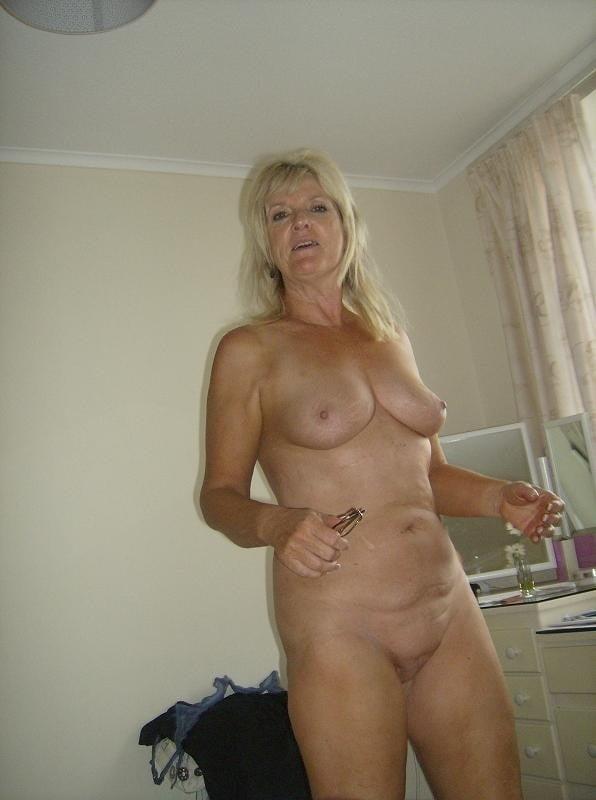 Amatuer mature nude-9104