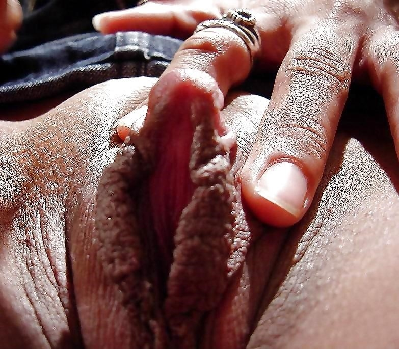 Show me women with big clits-2197