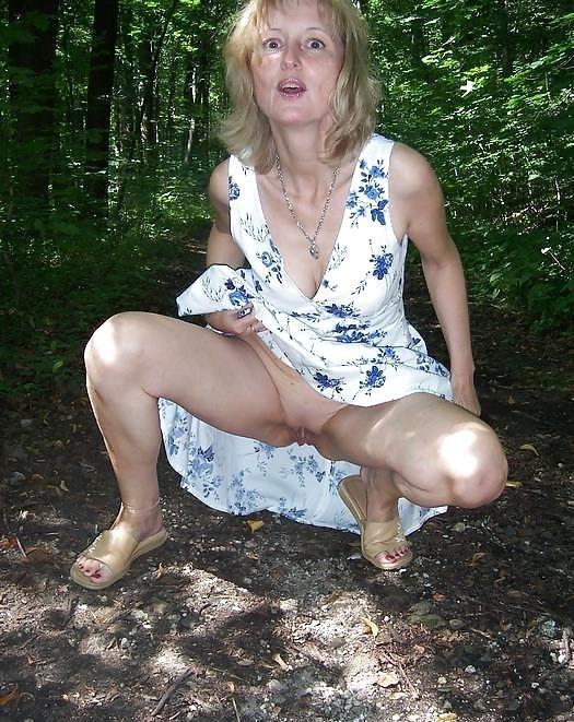 Mature posing porn pics-7958
