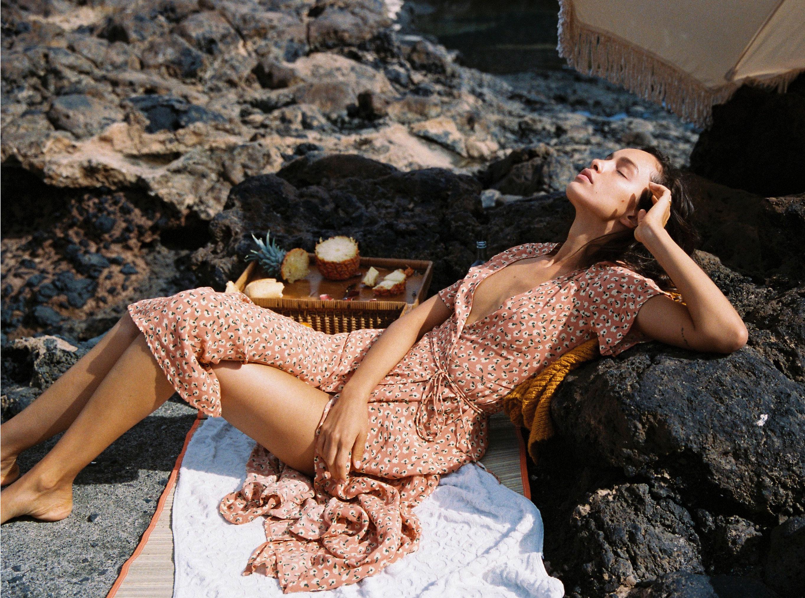 Коллекция купальников и пляжной одежды Faithfull the Brand, лето 2019 / фото 15