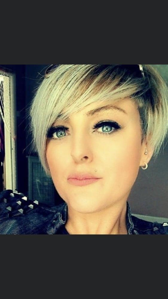 Short hair blonde xxx-8109