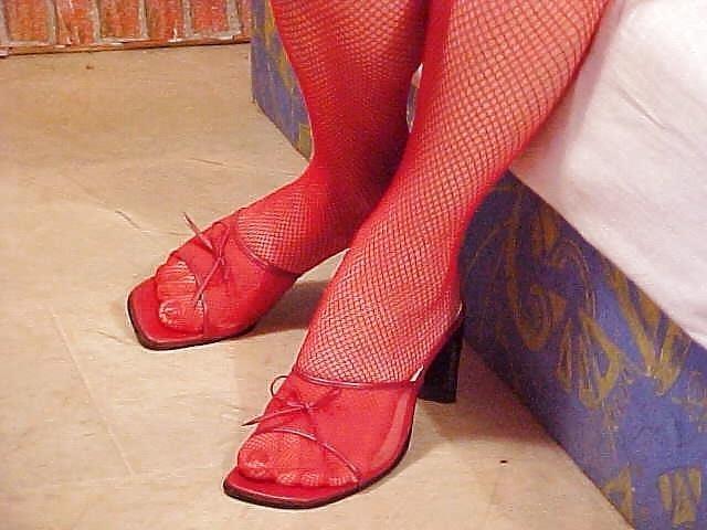 Lesbian mature foot-9363