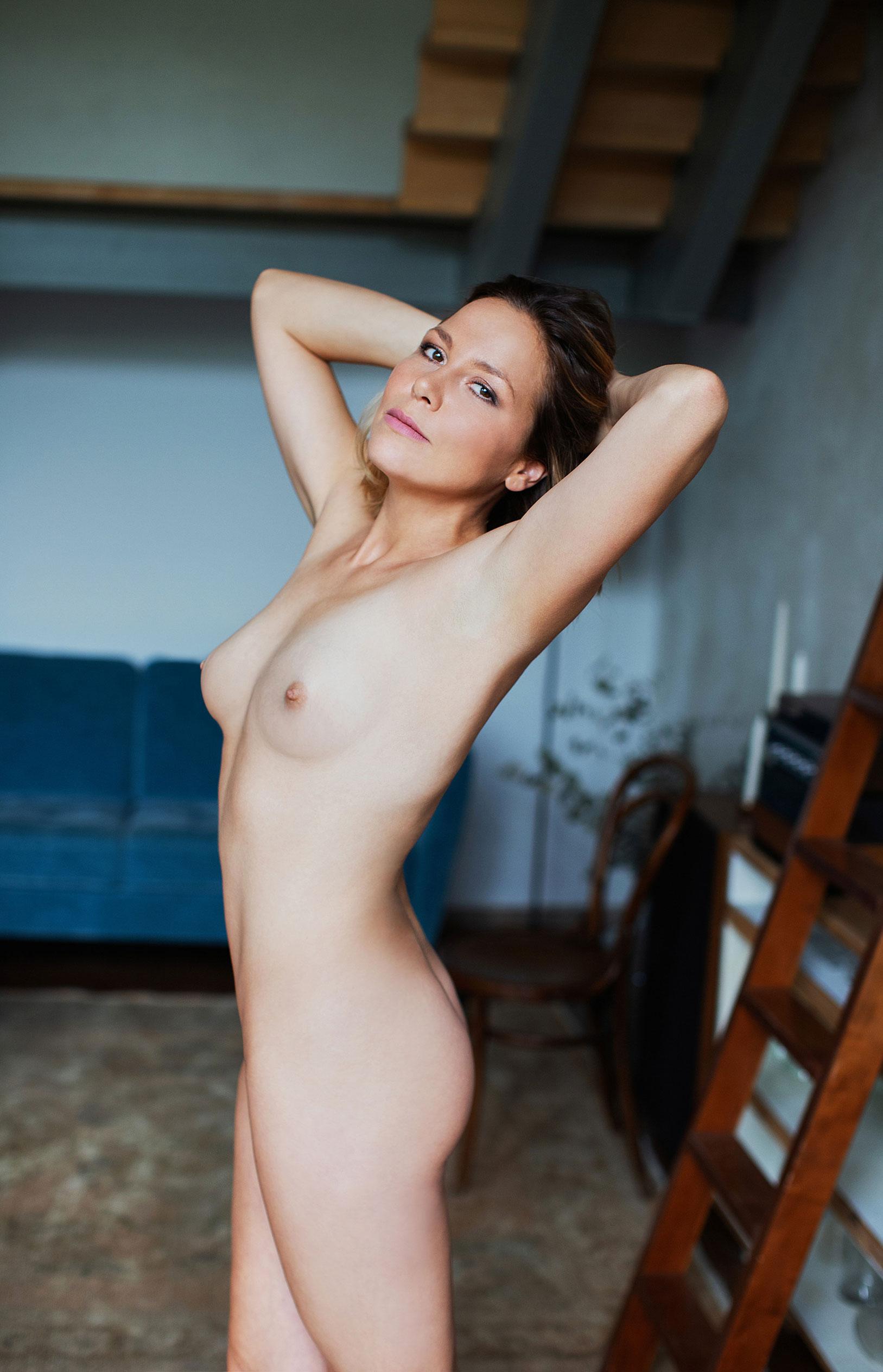 Актриса Франциска ван дер Хейде в журнале Playboy Германия, сентябрь 2020 / фото 13