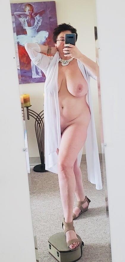 Mature naked milf-6257