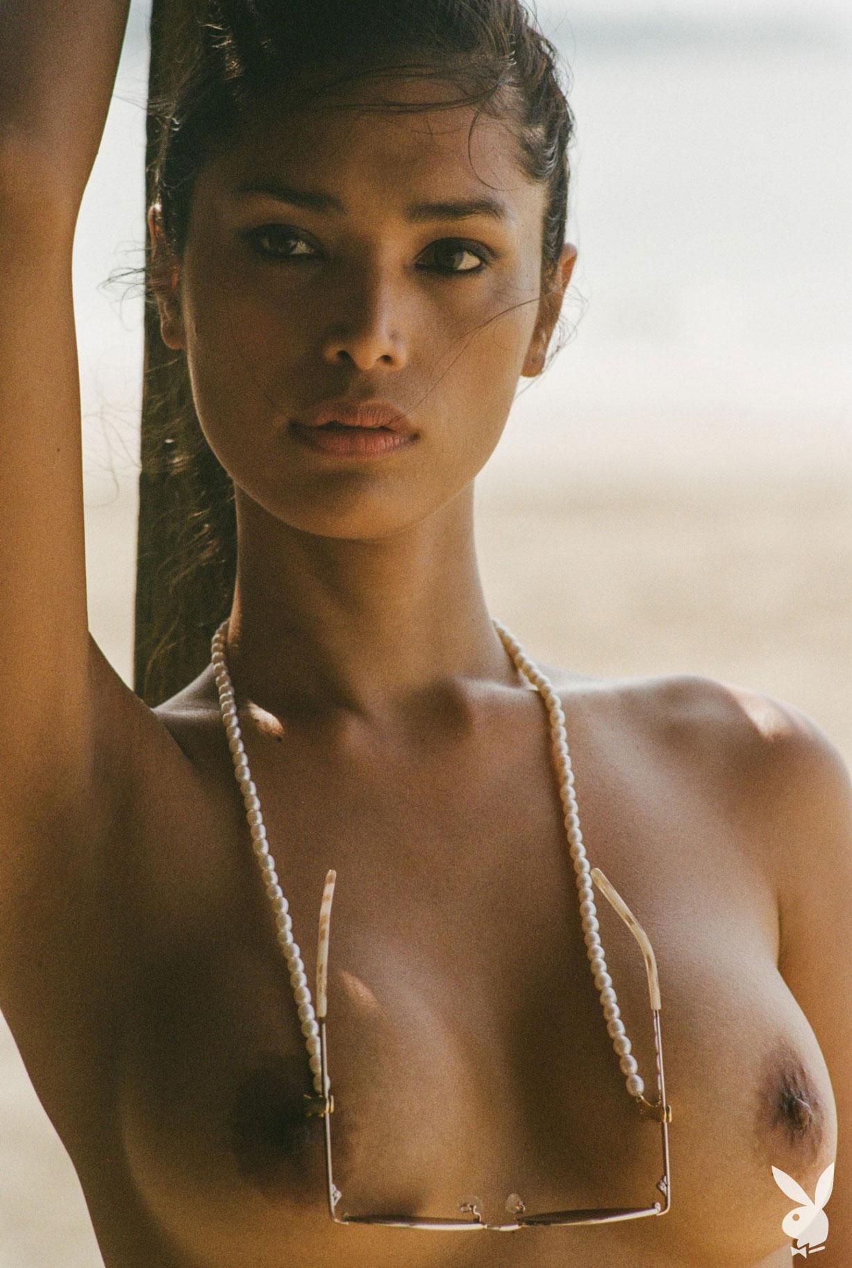 Девушка месяца Playboy США в августе 2019 - трансгендерная модель Джина Росеро / фото 15