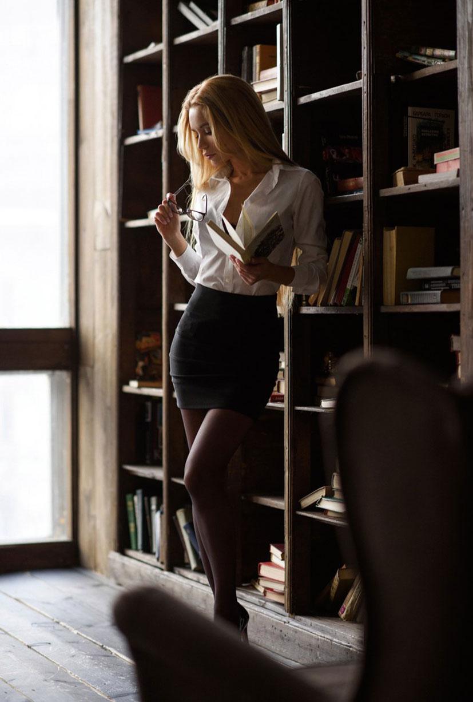 Екатерина Зуева в библиотеке / фото 07