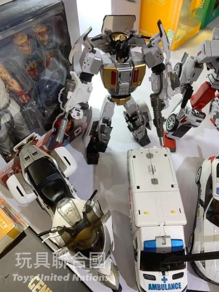 [Generation Toy] Produit Tiers - Jouet GT-08 Guardian - aka Defensor/Defenso - Page 3 CCwcNgDh_o