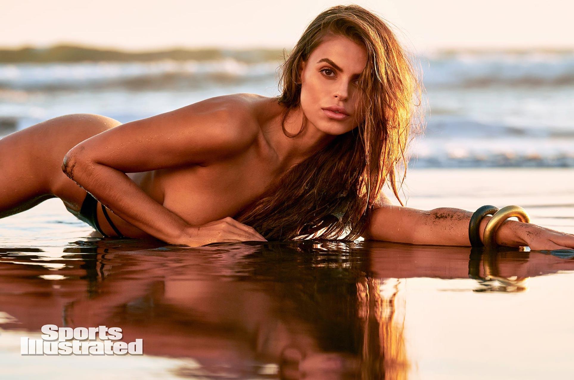 Брукс Надер в каталоге купальников Sports Illustrated Swimsuit 2020 / фото 22
