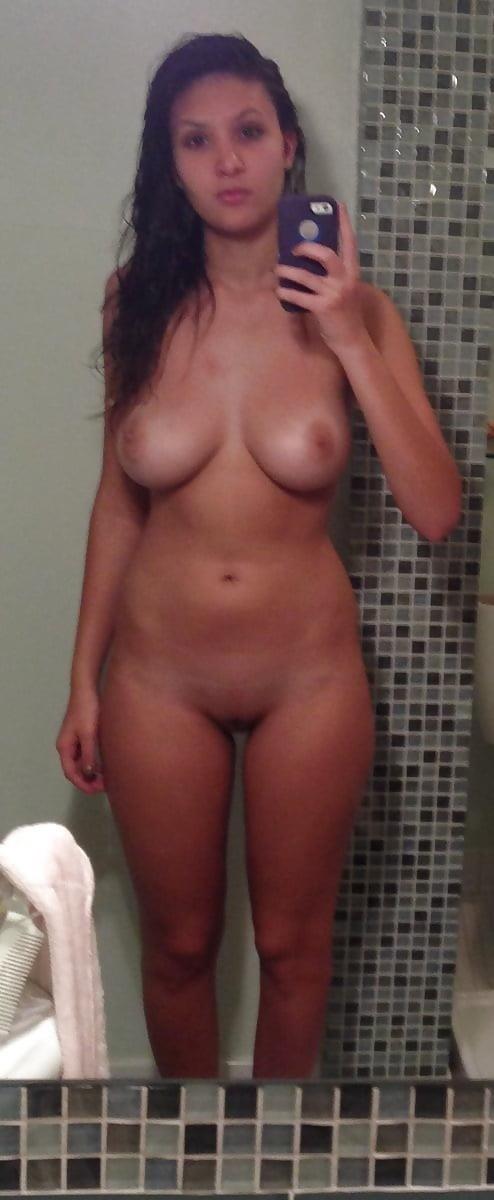 Naked girlfriend selfie-4006