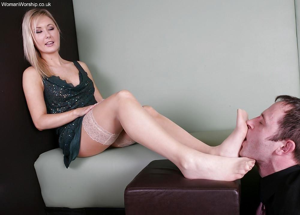 Mature feet sucking-8456