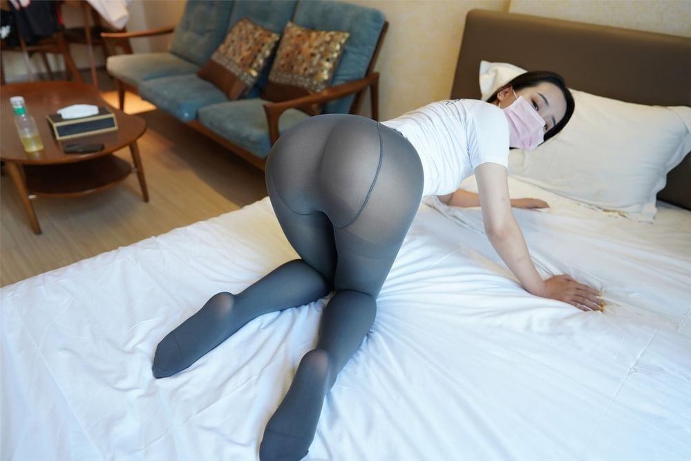 Japanese pantyhose feet-7249