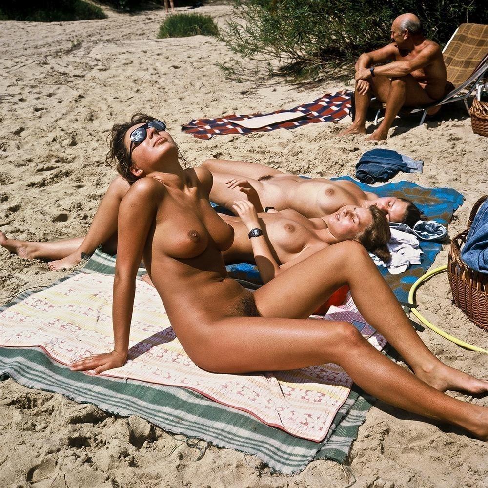 Hot girls naked at beach-5975