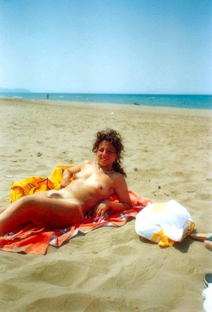 Public beach swinger-7639