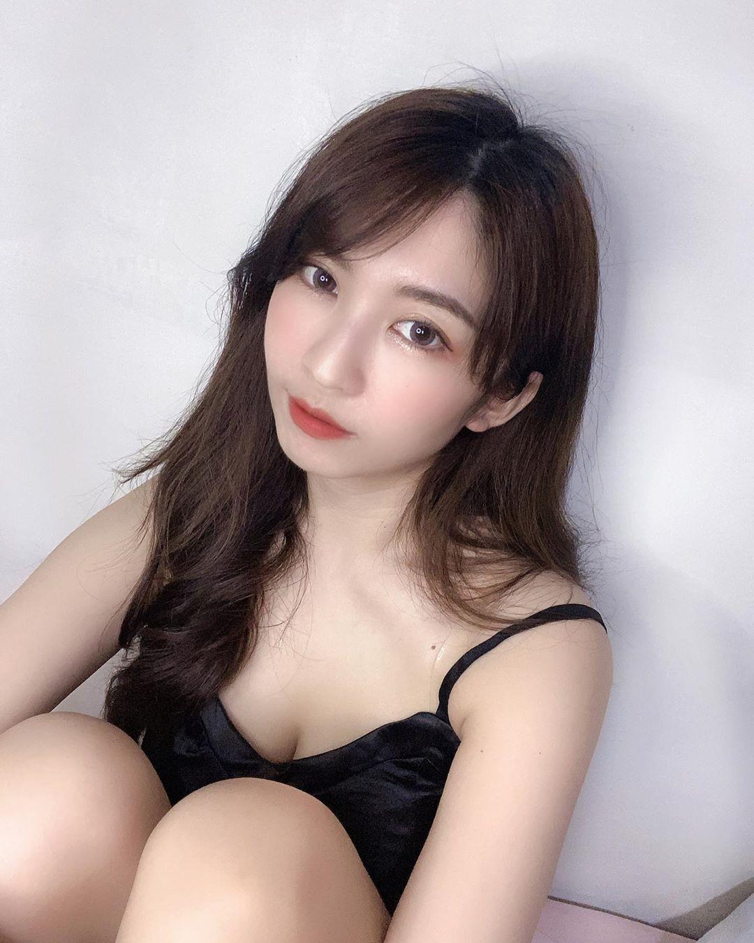 xc4QBamp o - 直播正妹—李藹蔚