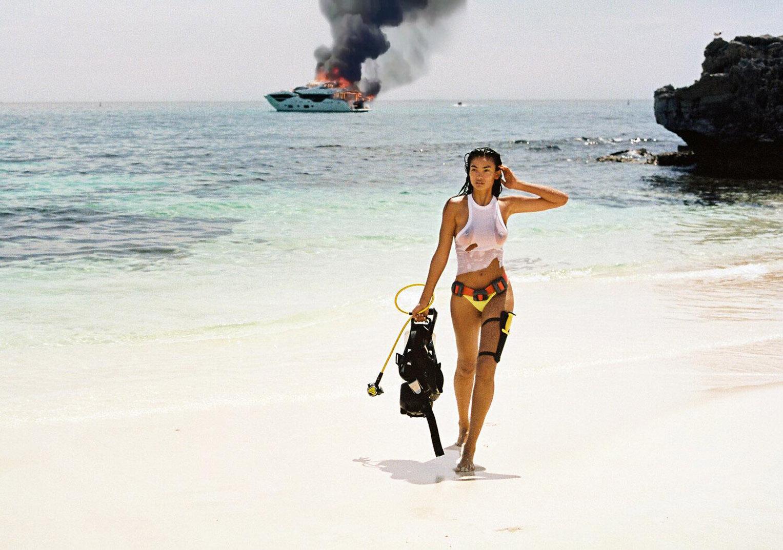 Келли Гейл в купальниках модного бренда Bamba Swimwear, лето 2020 / фото 12