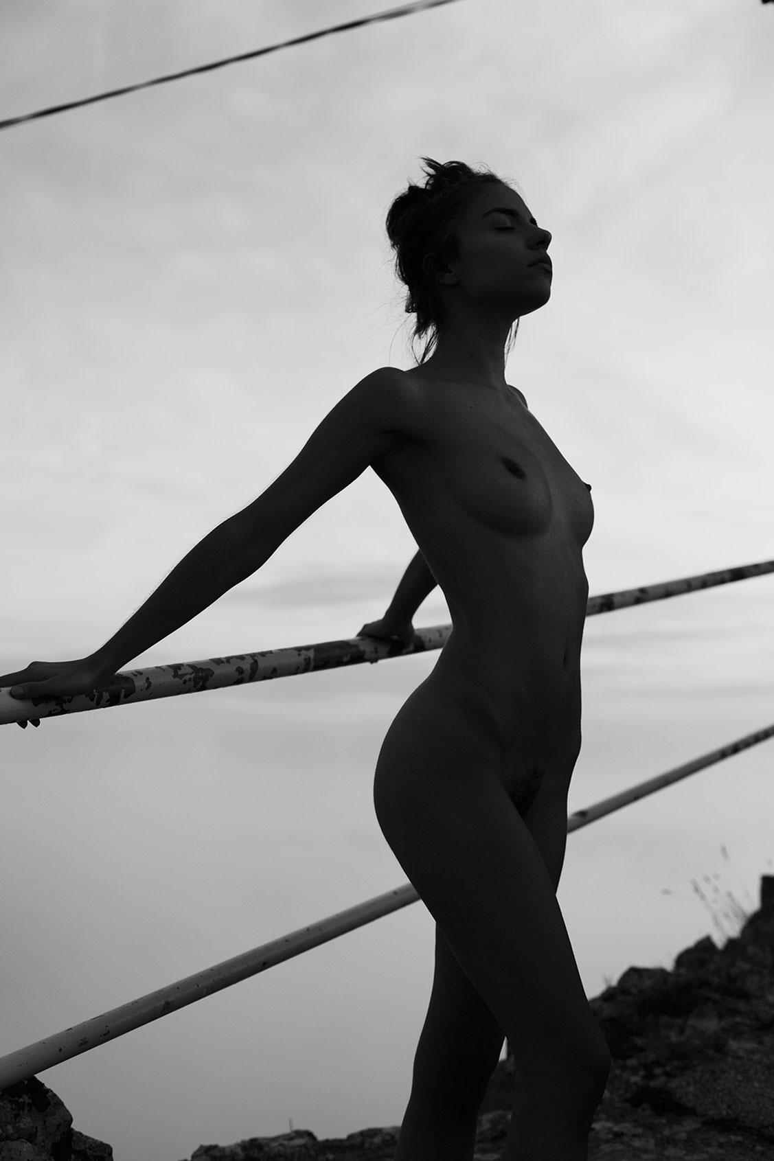 Mountain Top / Rebecca Bagnol by Maxime Besse - Yume Magazine