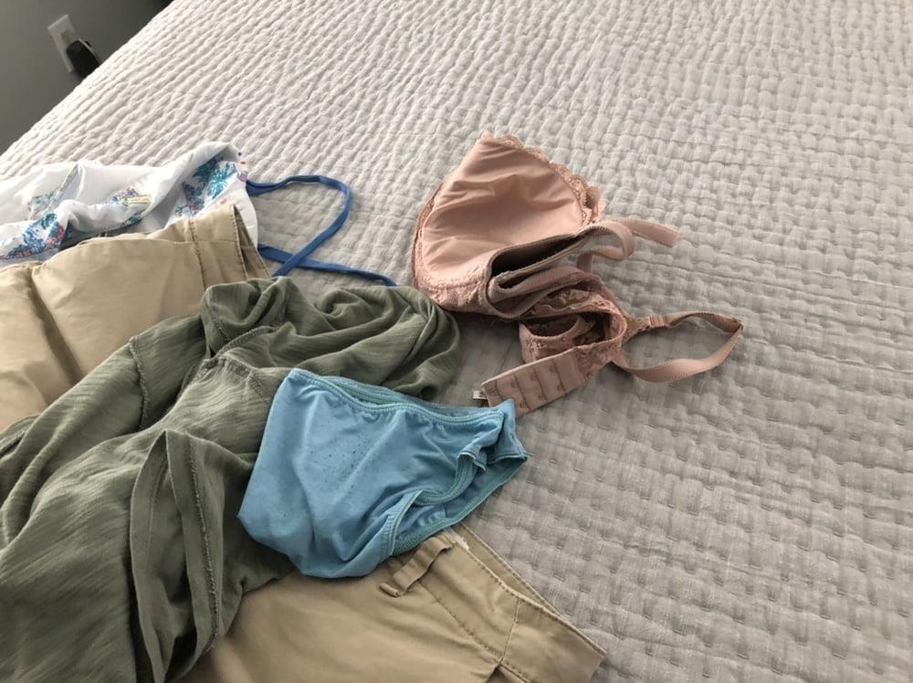 Dirty girls bukkake panty raid 8-9339